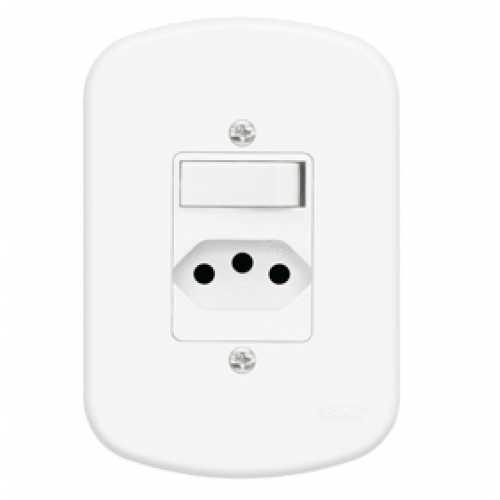 Interruptor simples + tomada 2P+T 10A com placa 4x2 padrão Brasileiro - Cód: 744 - Marca: Fame